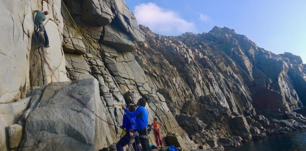 trad-climbing-stage-sardegna-guida-alpina